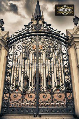 cua cong dep 2018 267x400 - Chọn cửa cổng đẹp như thế nào để nhà an toàn