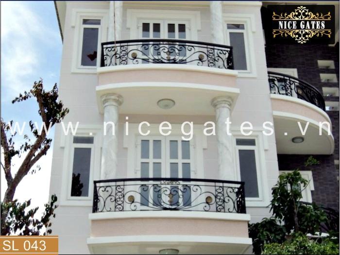 043 lan can ban cong sat dep Nicegates.vn  - Những tiêu chí quan trọng khi thiết kế thi công lan can sắt