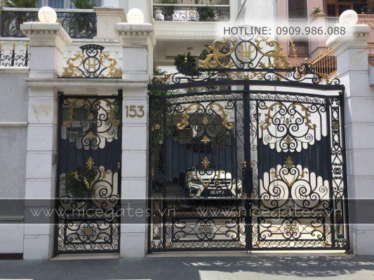 Mr Hung Tan Binh TPHCM 4 533x400 - Có nên sử dụng cổng sắt mỹ thuật cho nhà phố không