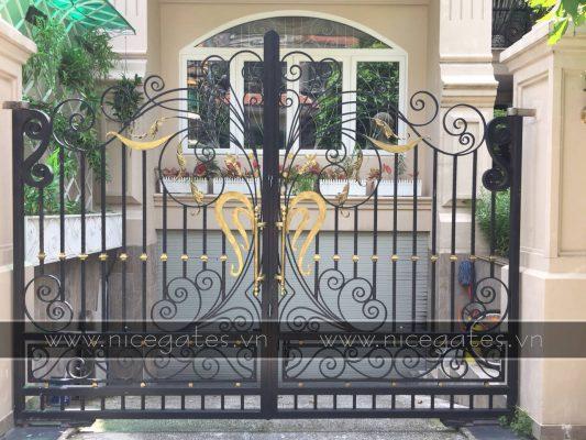 bao gia cong rao sat 2019 533x400 - So sánh báo giá cổng rào theo từng chất liệu