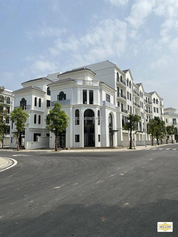 cua-cong-Vinhomes-Grand-Park